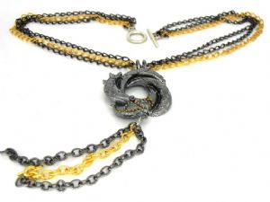 007 NECKLACE Algerian Love Knot bond girl pendant black and gold Prop Replica